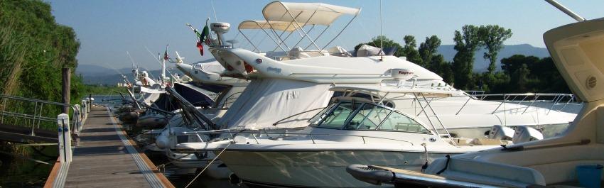 Barche all'ormeggio a Porto Carolina